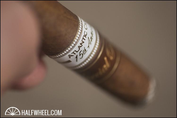 Oliva Atlantic Cigar 15th Aniversario Diadema 3