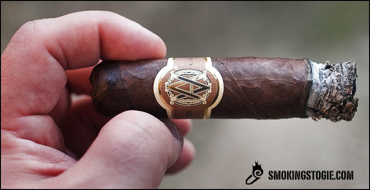AVO Heritage Short Robusto 3.png