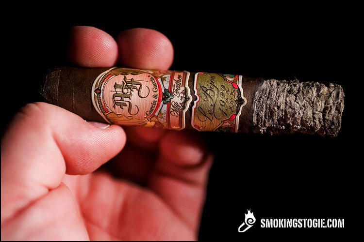 My Father Le Bijou 1922 Petit Robusto 3.png