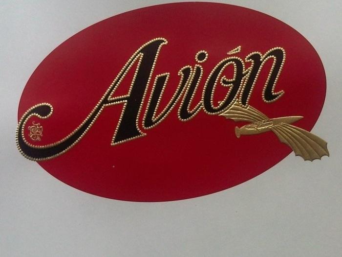 Avion Logo.png
