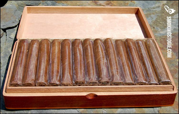Don Pepin Garcia Atlantic Cigar Exclusivo Ltd Robusto 2.png