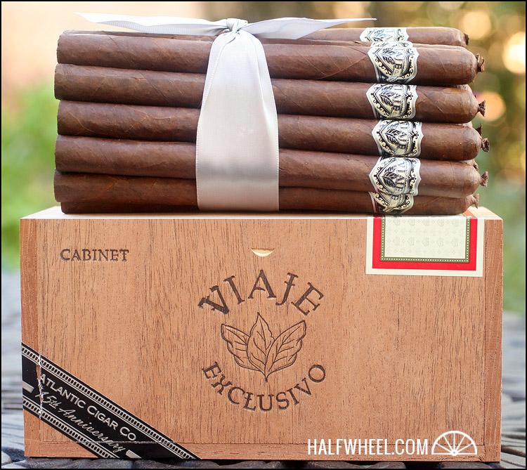 Viaje Exclusivo Atlantic Cigar Co. 15th Anniversary Lancero 2.jpg