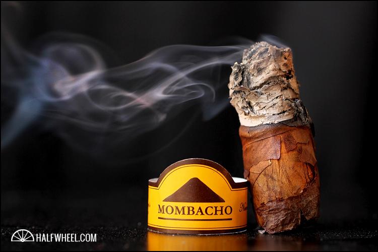 Mombacho Clasico Robusto 4