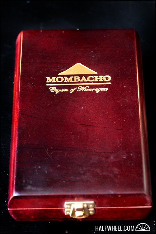 Mombacho Clasico Robusto Box 1