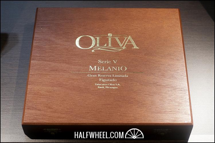 Oliva Serie V Melanio Figurado Box 1