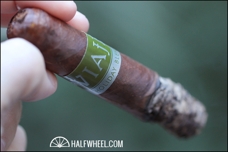 Viaje Holiday Blend 2012 Petit Robusto 3