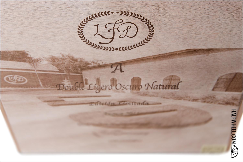 La Flor Dominicana Double Ligero A Oscuro Natural Collector s Edition Box 2