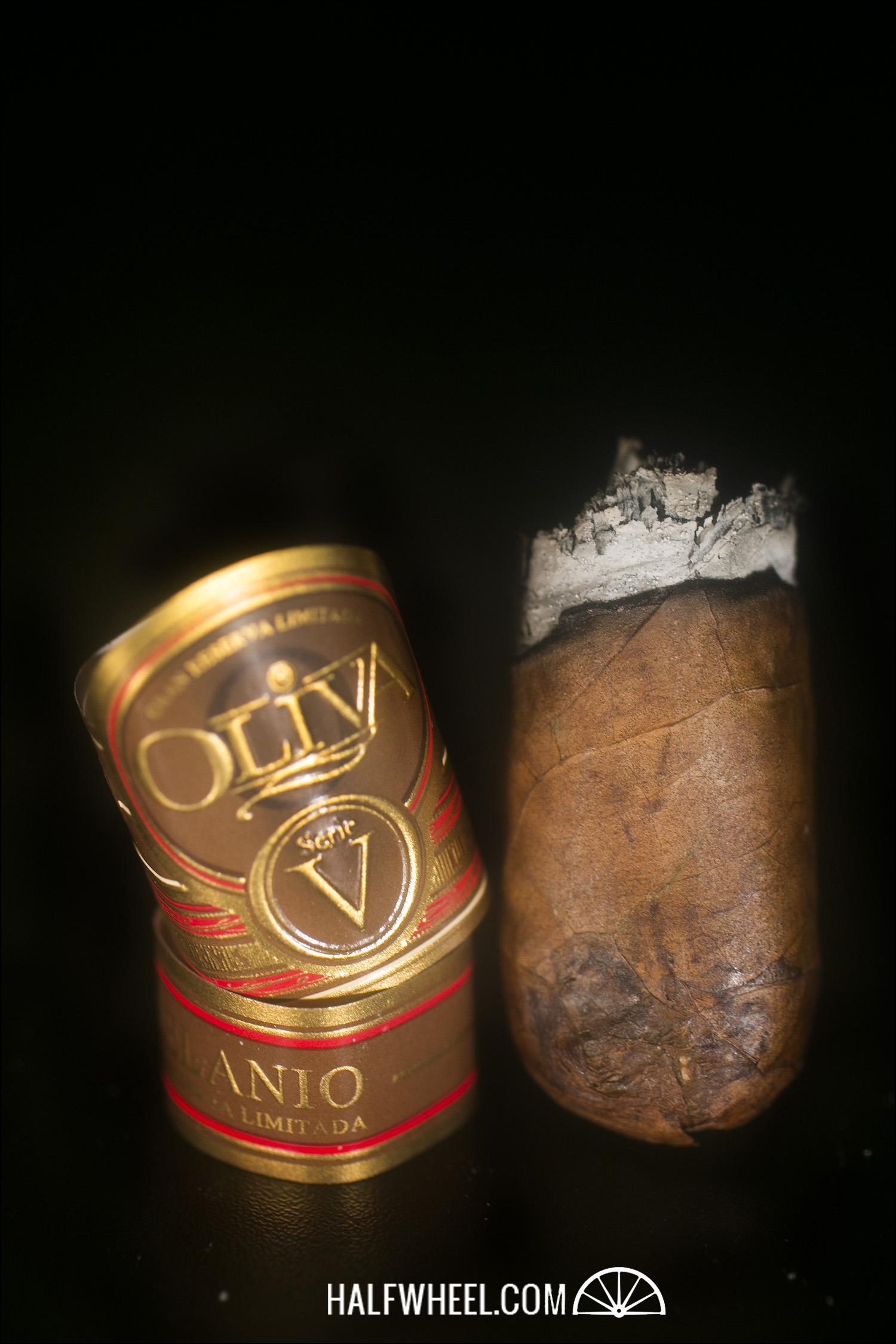 Oliva Serie V Melanio Double Toro 4