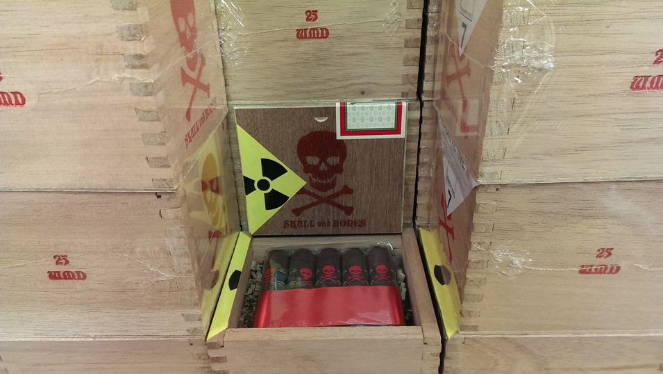 Viaje Skull and Bones Red WMD  2014 Box
