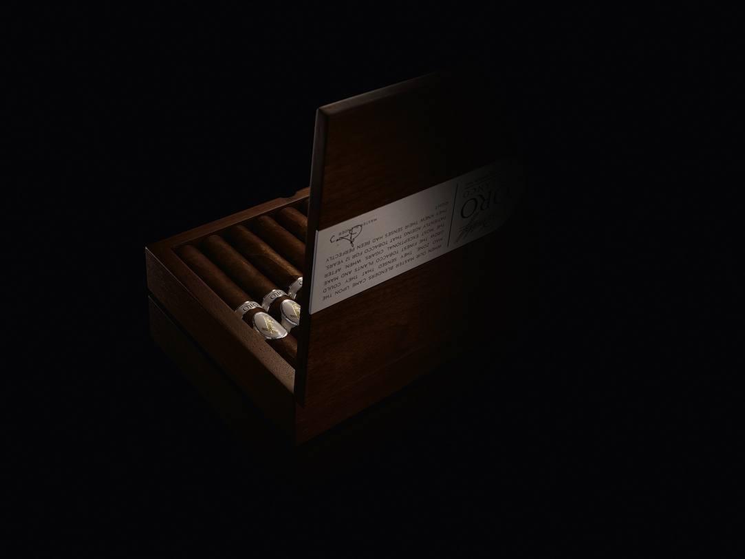 Davidoff Oro Blanco Box 2.jpg