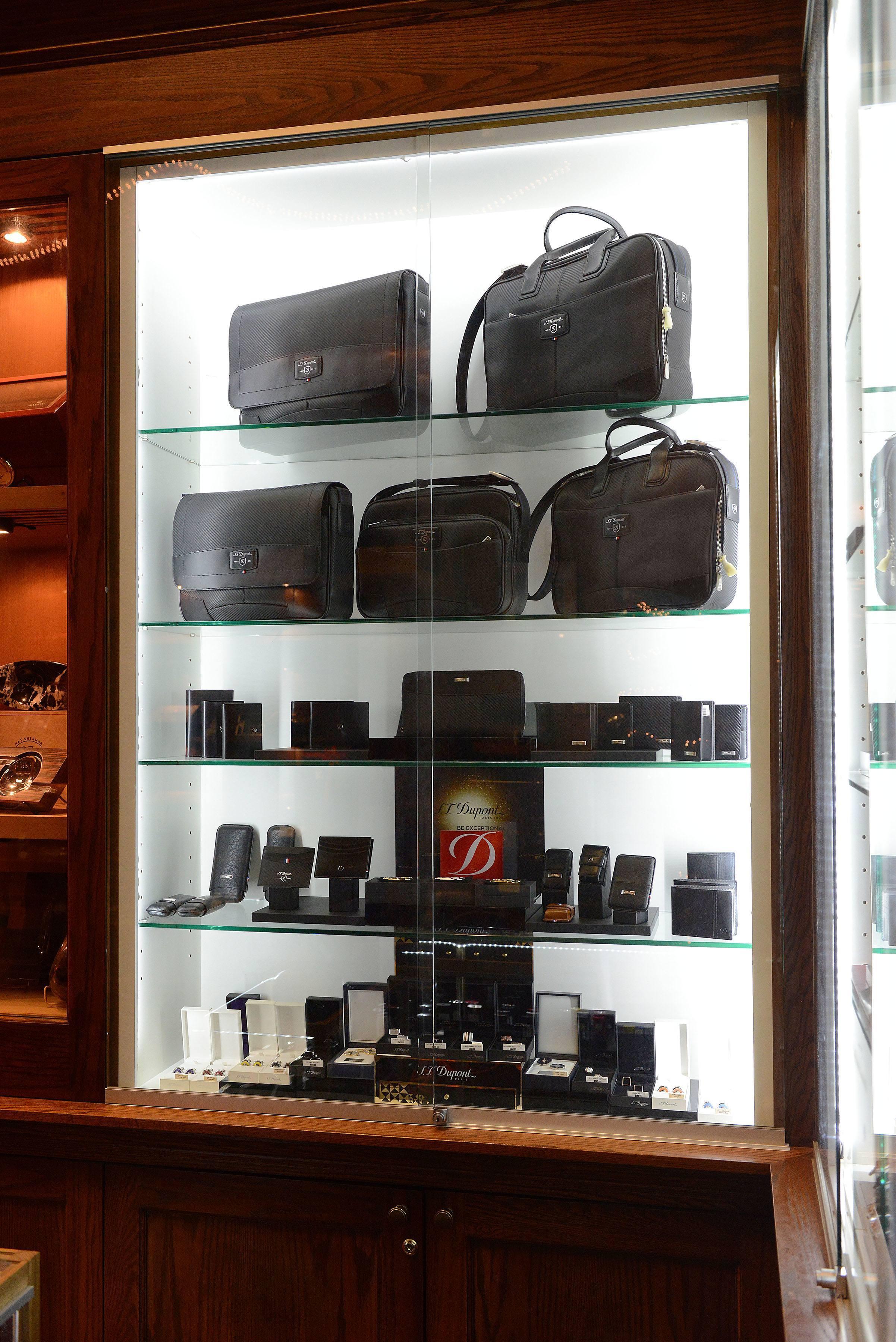 S T Dupont Nat Sherman Shop In Shop 2