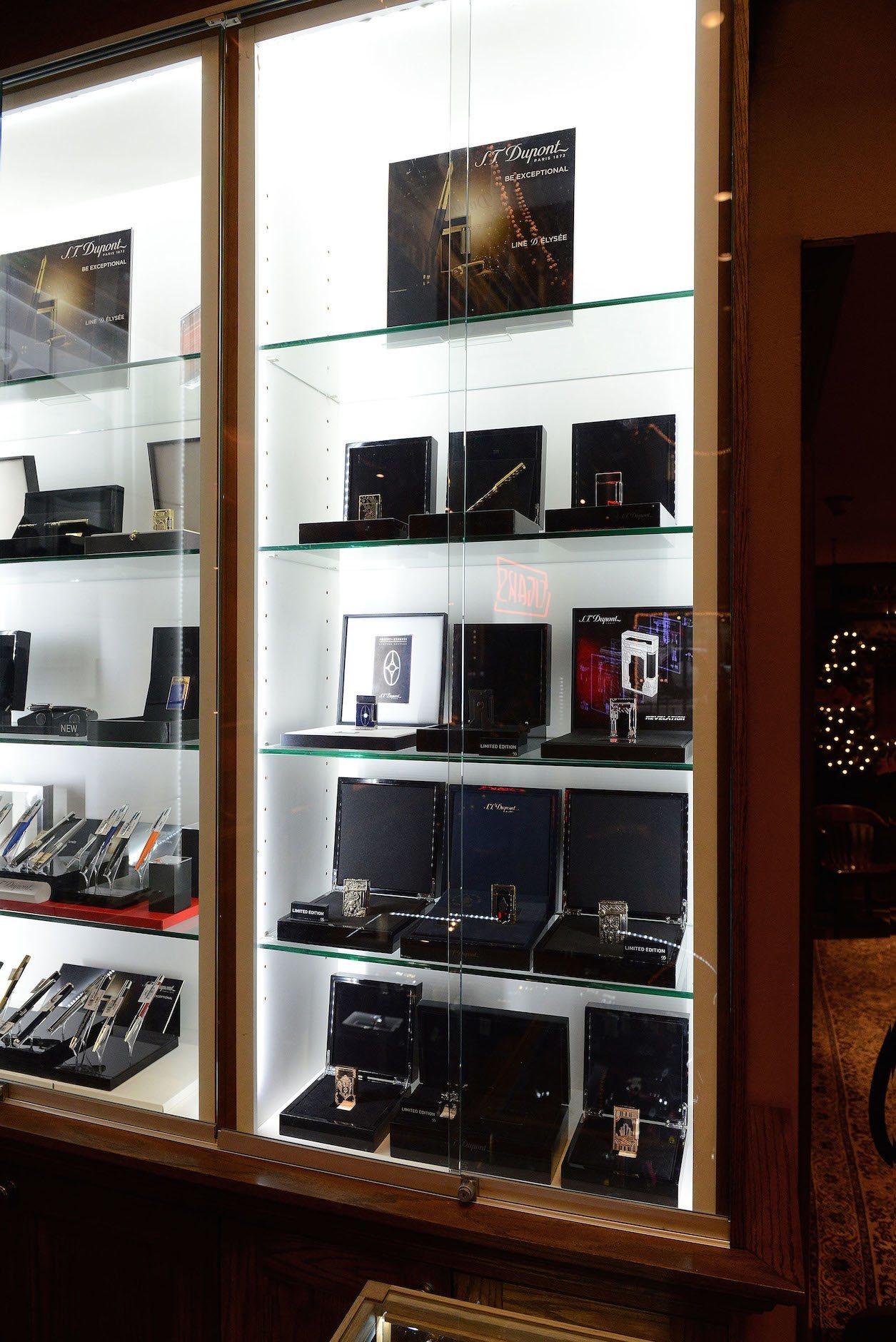 S T Dupont Nat Sherman Shop In Shop 3
