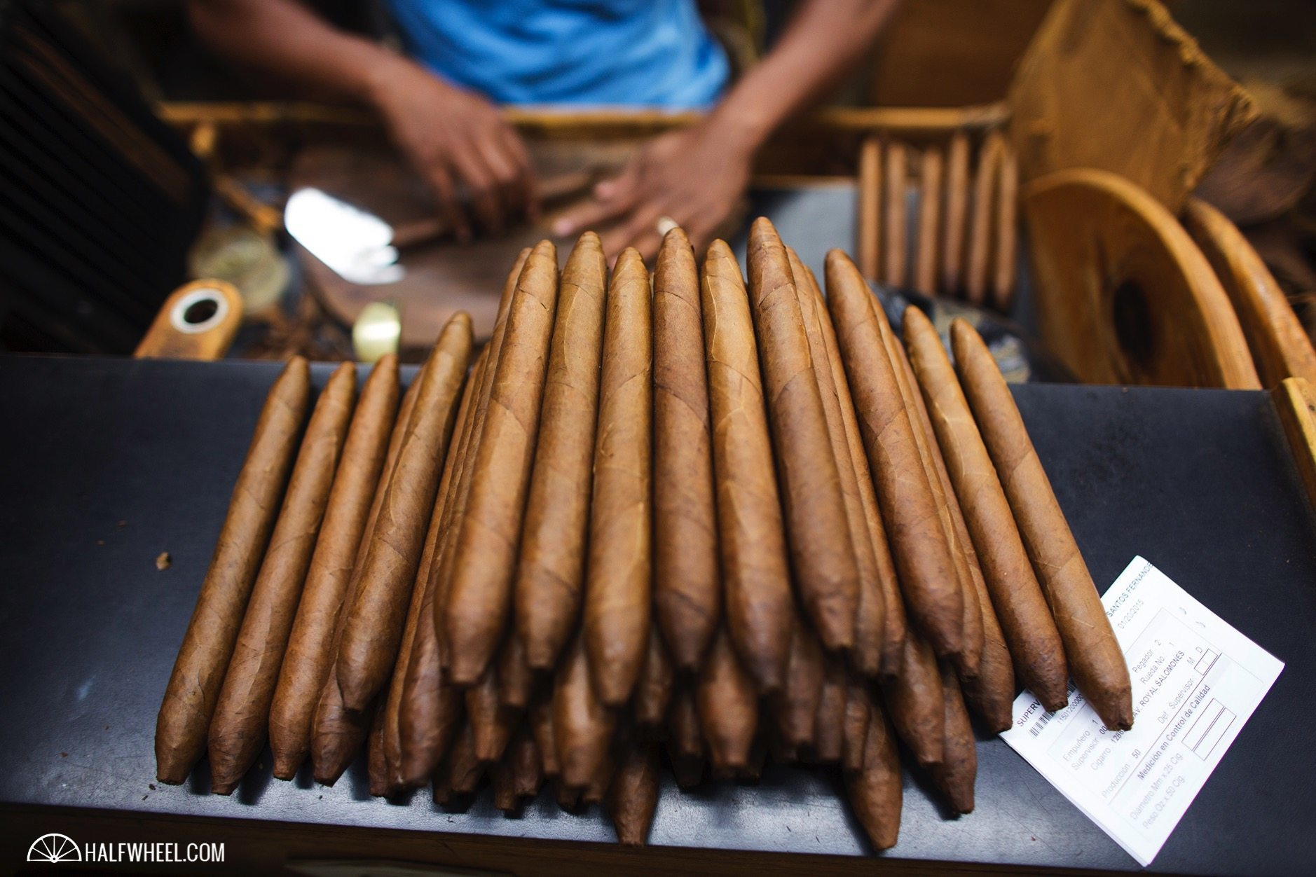 Cigars-Davidoff-Royal-Salomones.jpg