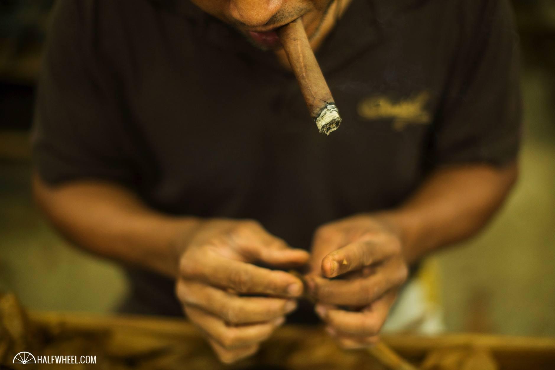 Cigars Davidoff cap
