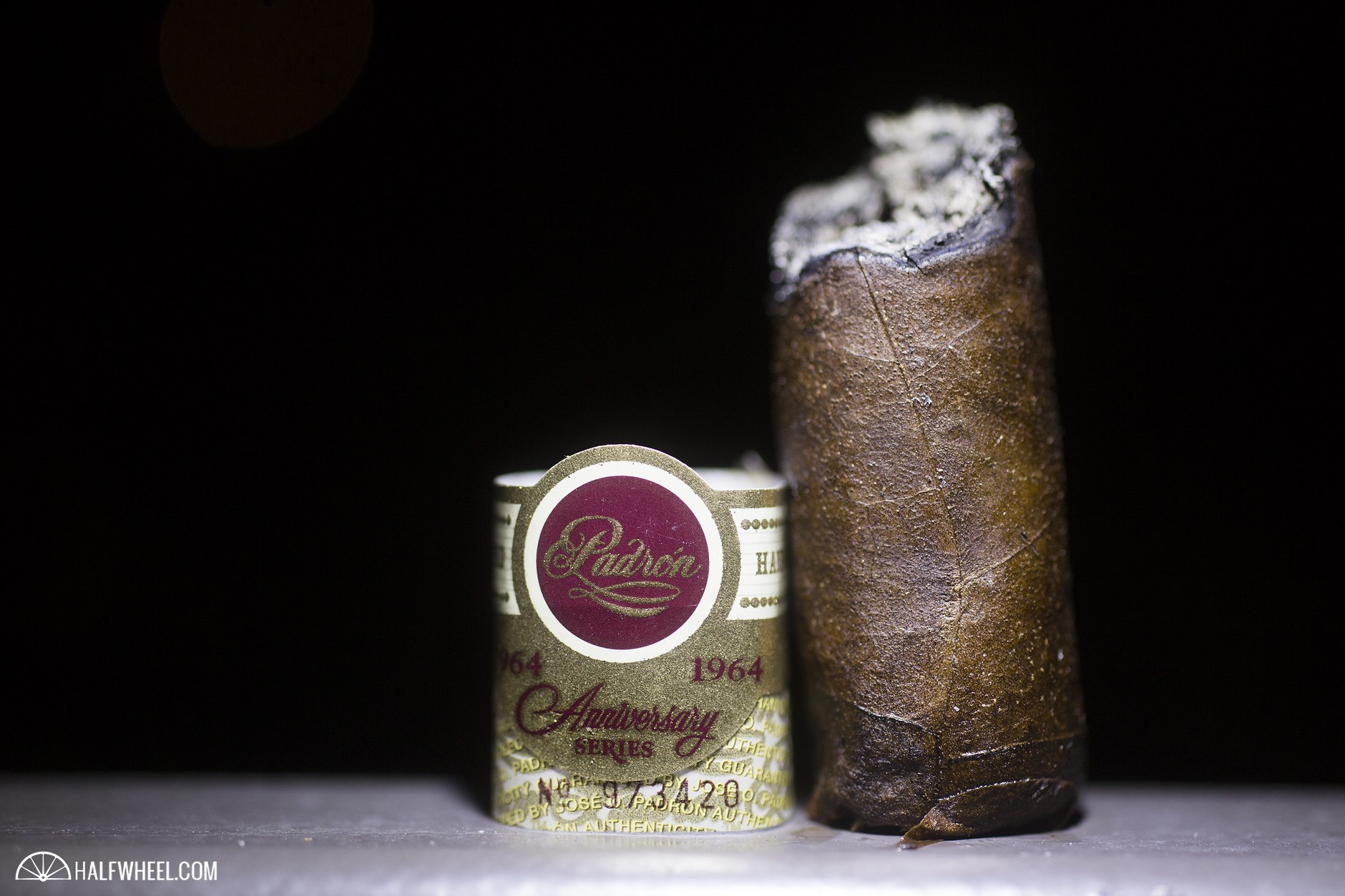 Padron 1964 Thompson 100th Anniversary Robusto (Maduro) 4