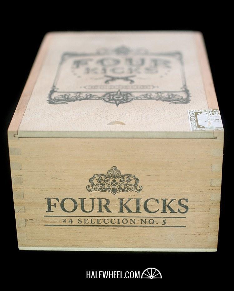 Four Kicks Seleccion No.5 Box 1