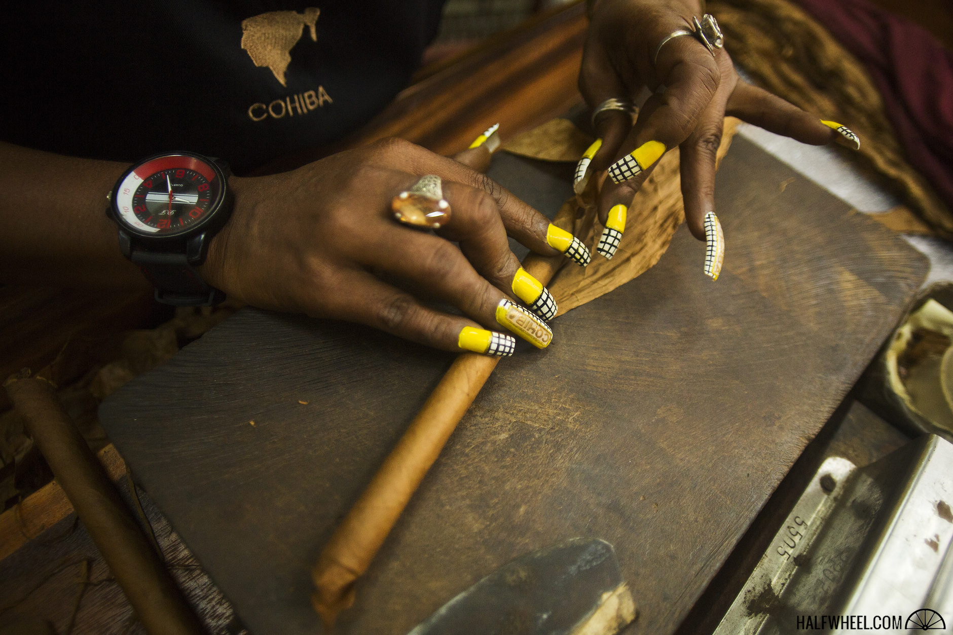 El Laguito Factory Cohiba nails