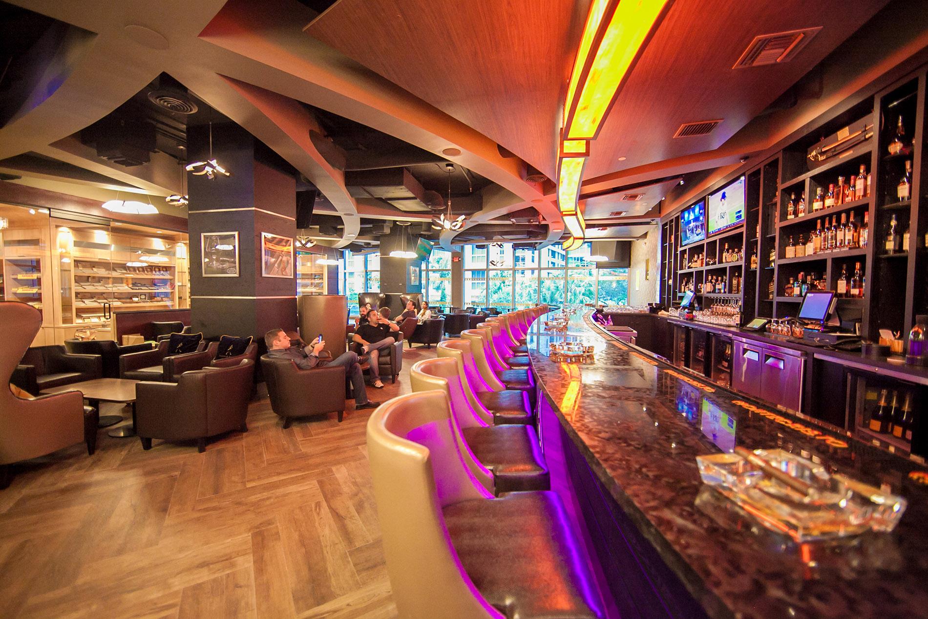Casa de Montecristo Prime Cigar Bar 2