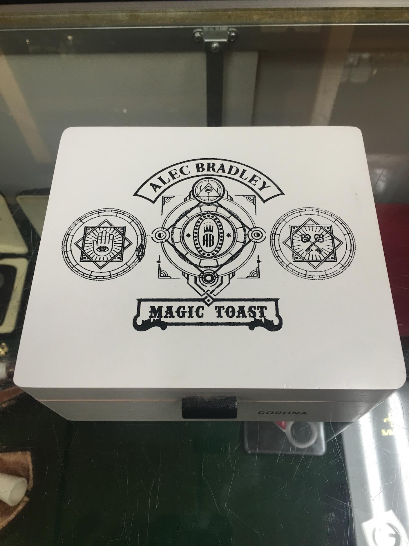 Alec Bradley Magic Toast 1