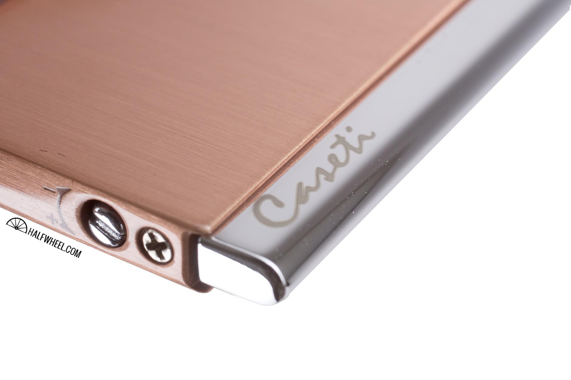 caseti-elegante-adjustment