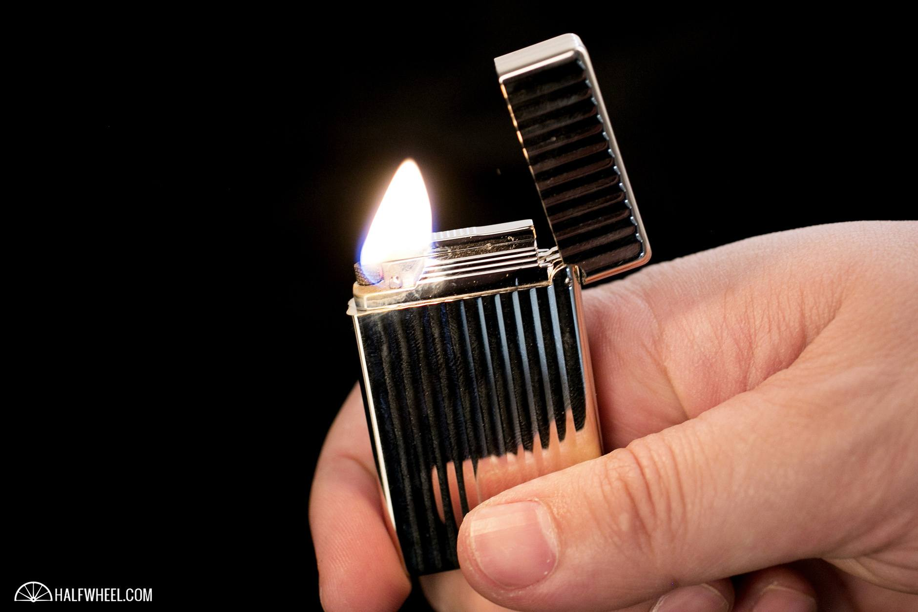 S.T. Dupont Initial Lighter Flame